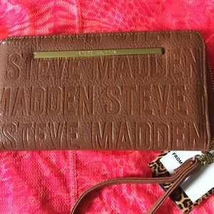 Steve Maddens wrist wallet new